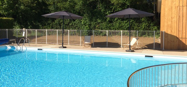 H bergement camping cote d 39 or bourgogne accueil v lo for Camping bourgogne piscine